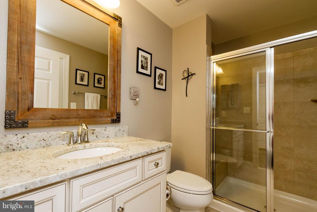 Main-Level Full Bath - 17800 AIRMONT RD, ROUND HILL