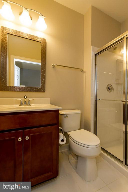 Bath attached to bedroom - 17800 AIRMONT RD, ROUND HILL