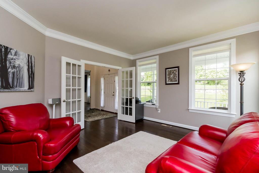 Office/Den with French Doors - 17800 AIRMONT RD, ROUND HILL