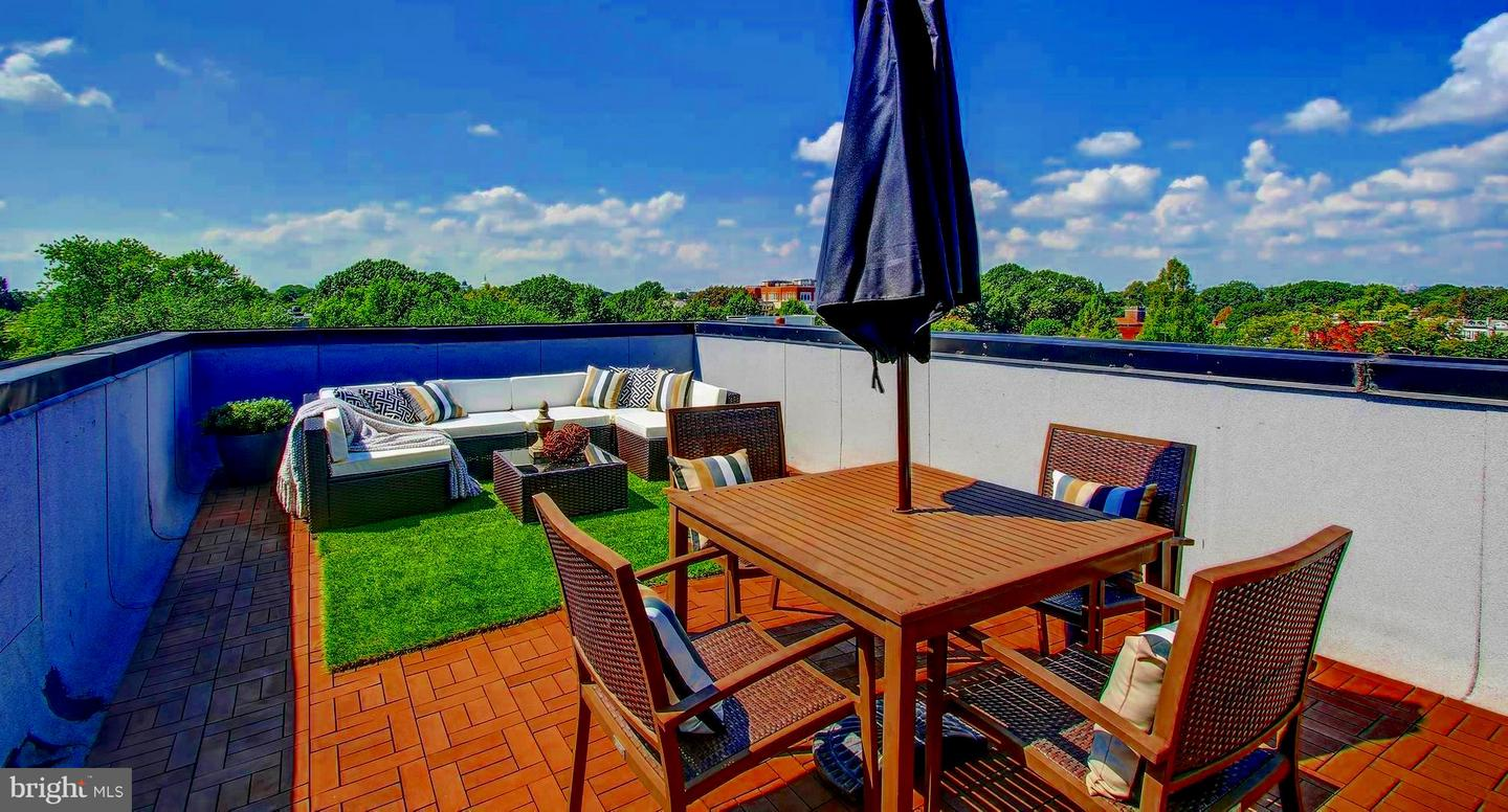 Single Family for Sale at 245 15th St SE #403 Washington, District Of Columbia 20003 United States