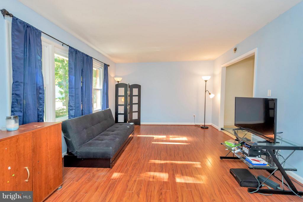 Living Room - 319 AZALIA DR, FREDERICKSBURG