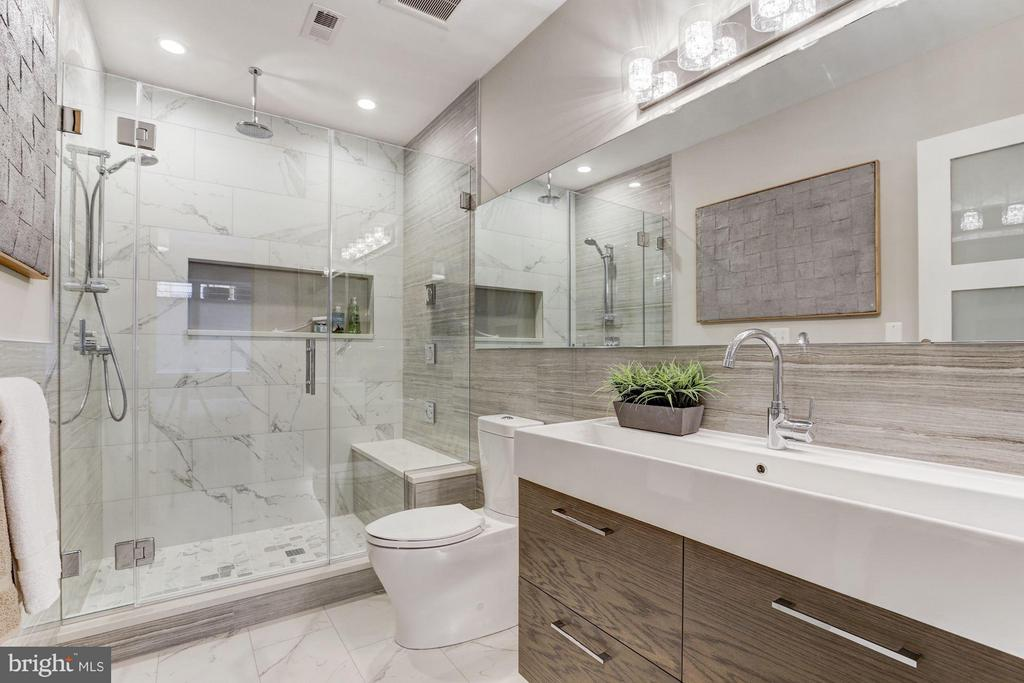 GROHE Multi-Head Shower System + Heated Floors - 517 Q ST NW #1, WASHINGTON