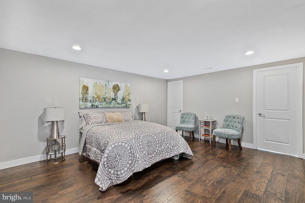 Bedroom - 1220 BARNABY TER SE, WASHINGTON