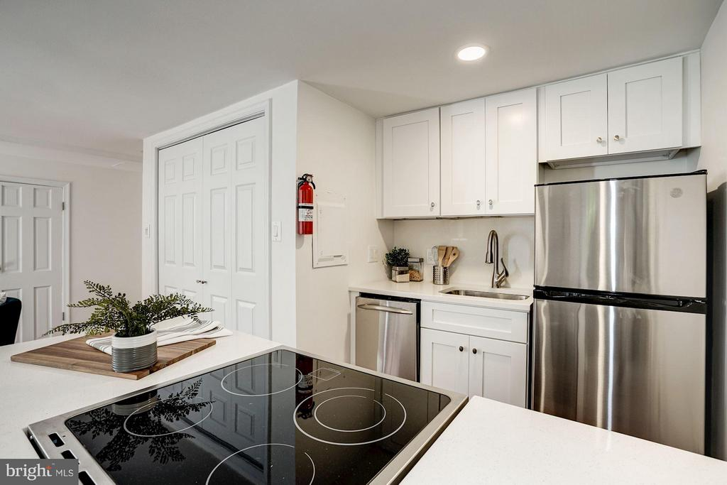 Including a Dishwasher! - 1511 22ND ST NW #15, WASHINGTON
