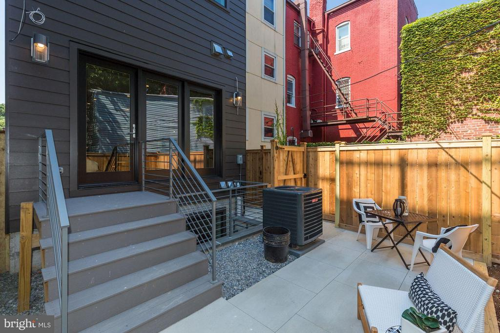 Easy Access from Main Living Space - 517 Q ST NW #1, WASHINGTON