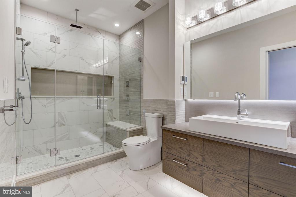 Grohe Multi-Head Shower System and Heated Floors - 517 Q ST NW #2, WASHINGTON