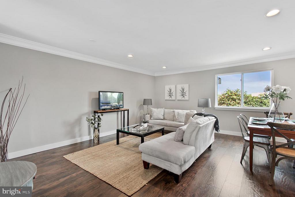 Living Room - 1220 BARNABY TER SE, WASHINGTON