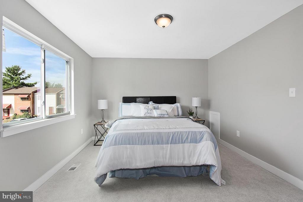 Bedroom (Master) - 1220 BARNABY TER SE, WASHINGTON