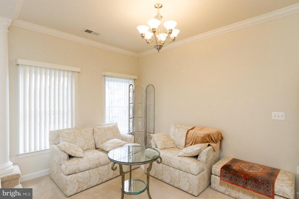 Owners Retreat Private Sitting Area - 24956 BANNOCKBURN TER, CHANTILLY