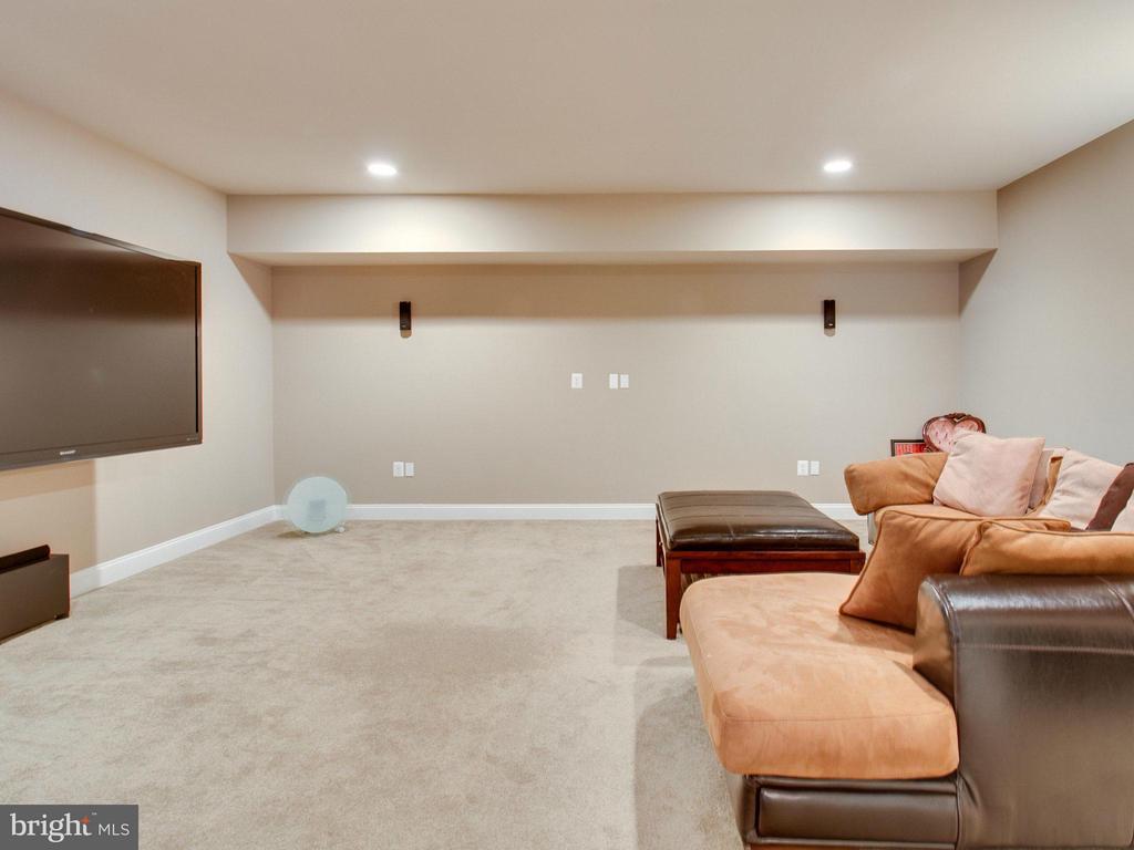 Lower Level Media Room. - 2952 BONDS RIDGE CT, OAKTON