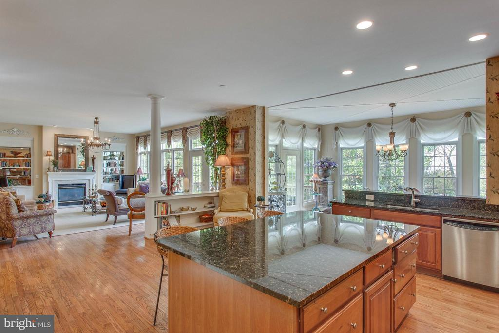 Kitchen is an Epicurean 's Delight. - 11600 FOREST HILL CT, FAIRFAX