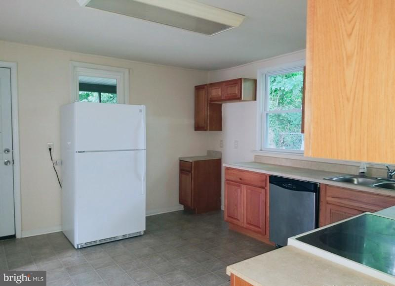 Kitchen - 516 MENTOR AVE, CAPITOL HEIGHTS