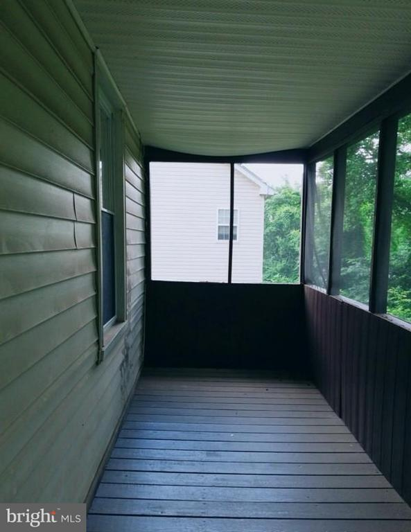 Rear Enclosed Porch - 516 MENTOR AVE, CAPITOL HEIGHTS