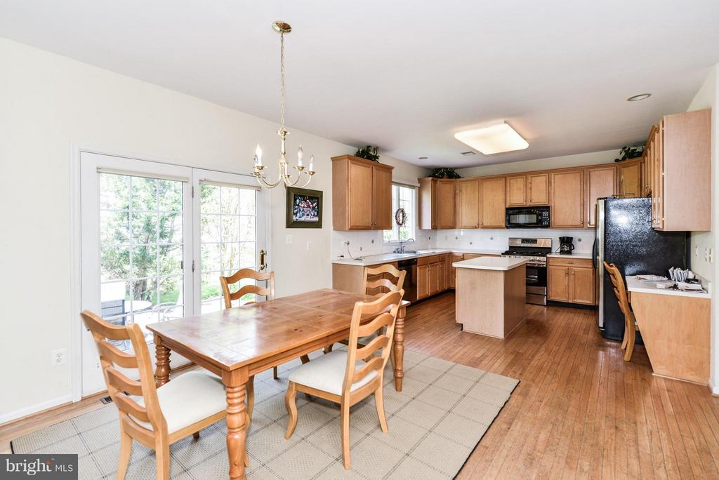 Kitchen - 25948 HARTWOOD DR, CHANTILLY