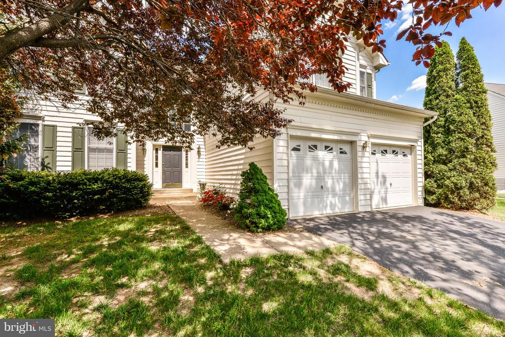 Exterior (Front) - 25948 HARTWOOD DR, CHANTILLY