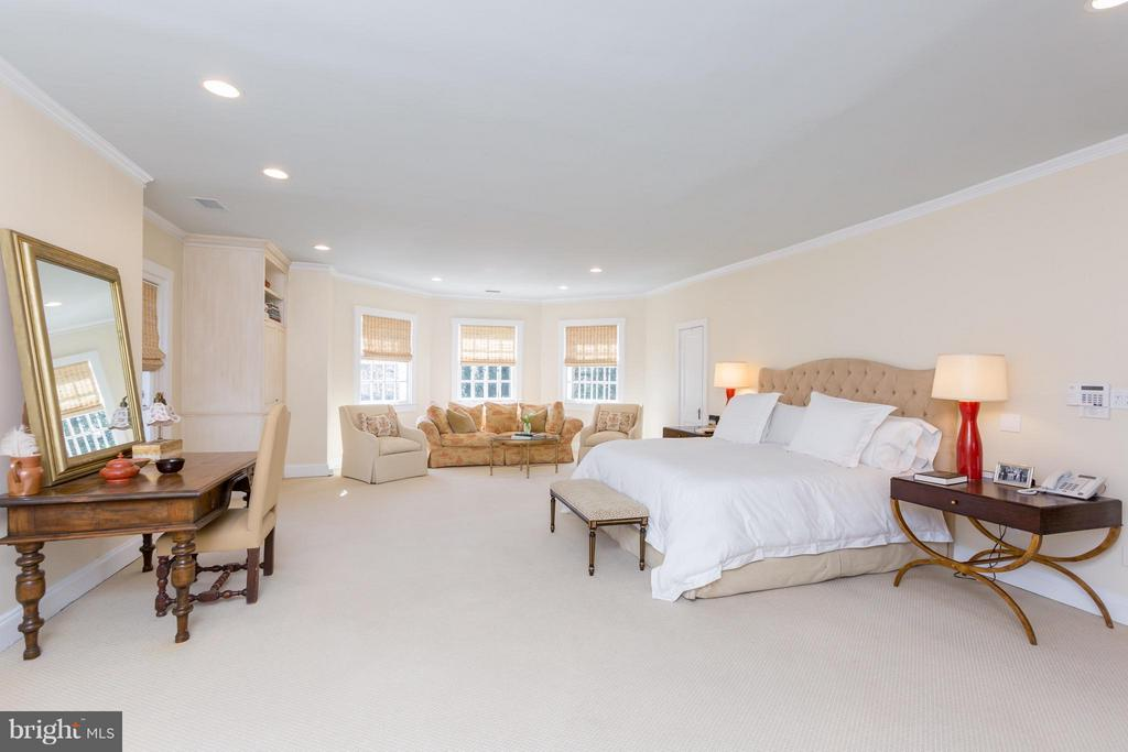Master Suite - 3911 BRADLEY LN, CHEVY CHASE