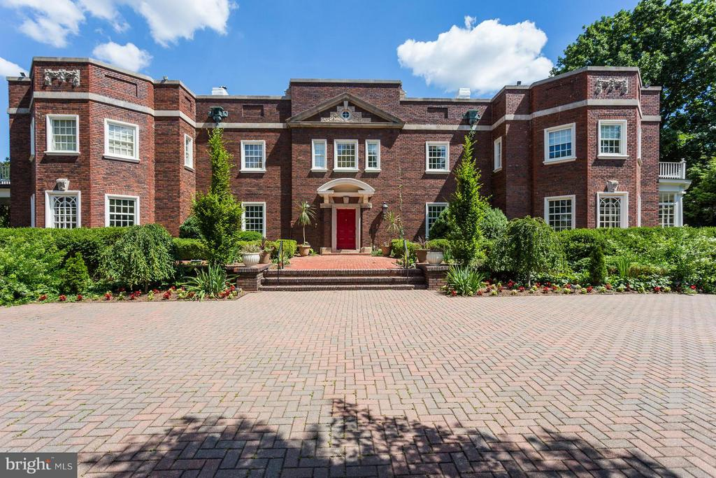 Exterior (Front) - 3911 BRADLEY LN, CHEVY CHASE