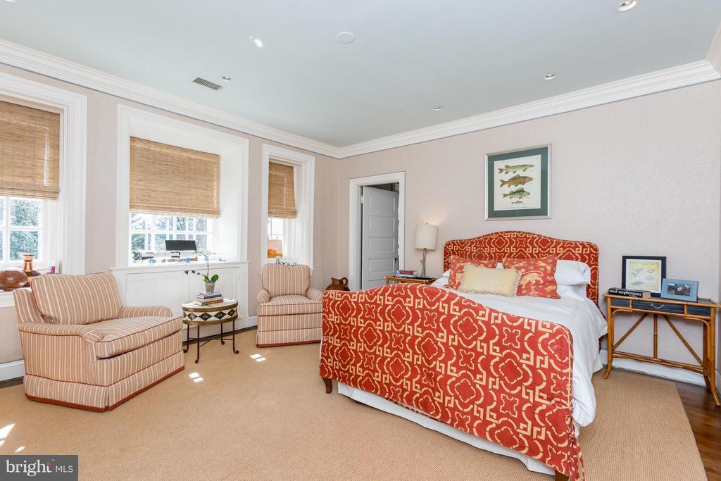 Bedroom - 3911 BRADLEY LN, CHEVY CHASE
