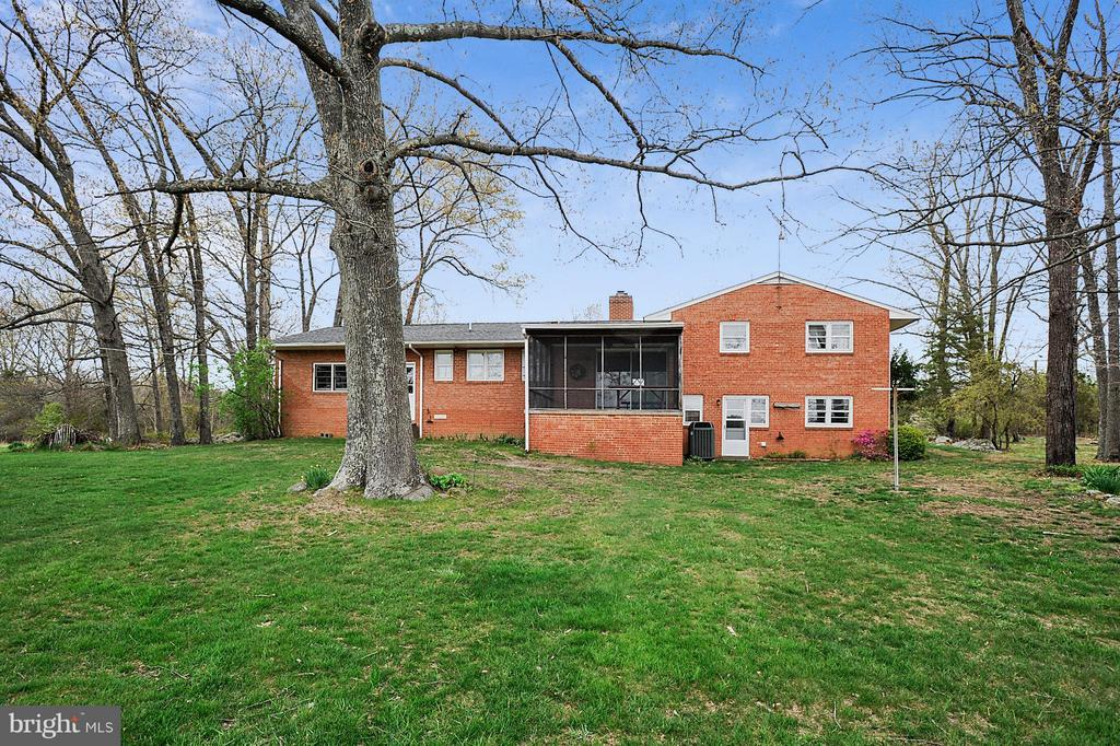 Rear view - 15411 HERNDON AVE, CHANTILLY