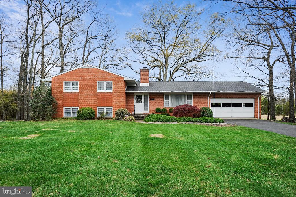 15411 Herndon Ave. home - 15411 HERNDON AVE, CHANTILLY
