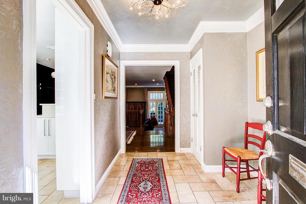 Foyer - 424 PRINCESS ST, ALEXANDRIA