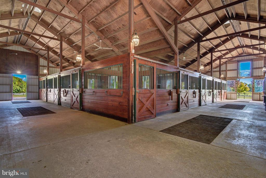 Stables - 19001 BUCKLODGE RD, BOYDS