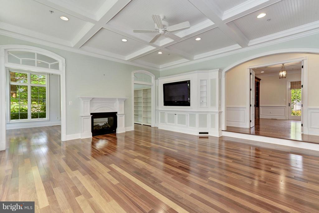 Family Room - 5214 OAKLAND RD, CHEVY CHASE
