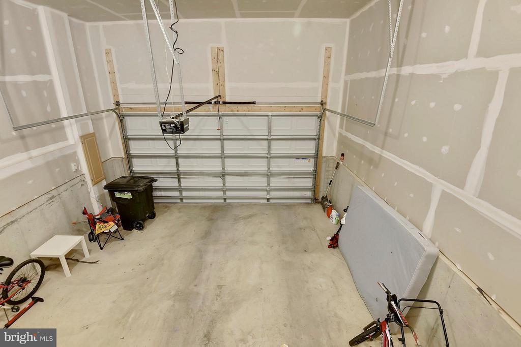 Attached 2-car Garage with opener - 22504 HEMLOCK HILLS PL, CLARKSBURG