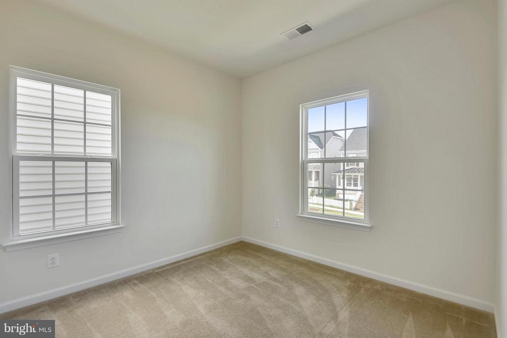 Corner Bedroom on Upper Level - 22504 HEMLOCK HILLS PL, CLARKSBURG