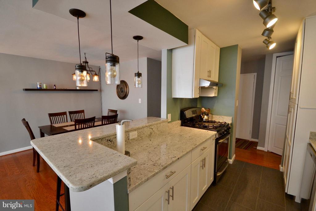 Modern Kitchen - 2030 F ST NW #201, WASHINGTON