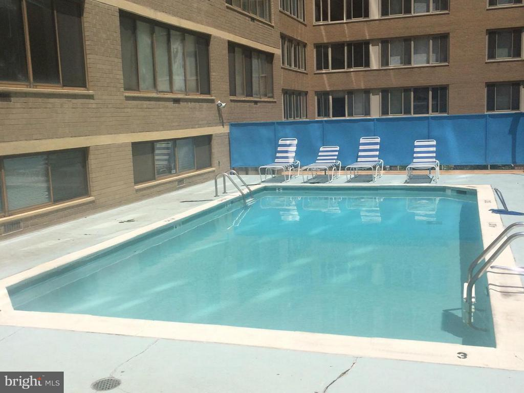 Relax by the Swimming Pool - 2030 F ST NW #201, WASHINGTON