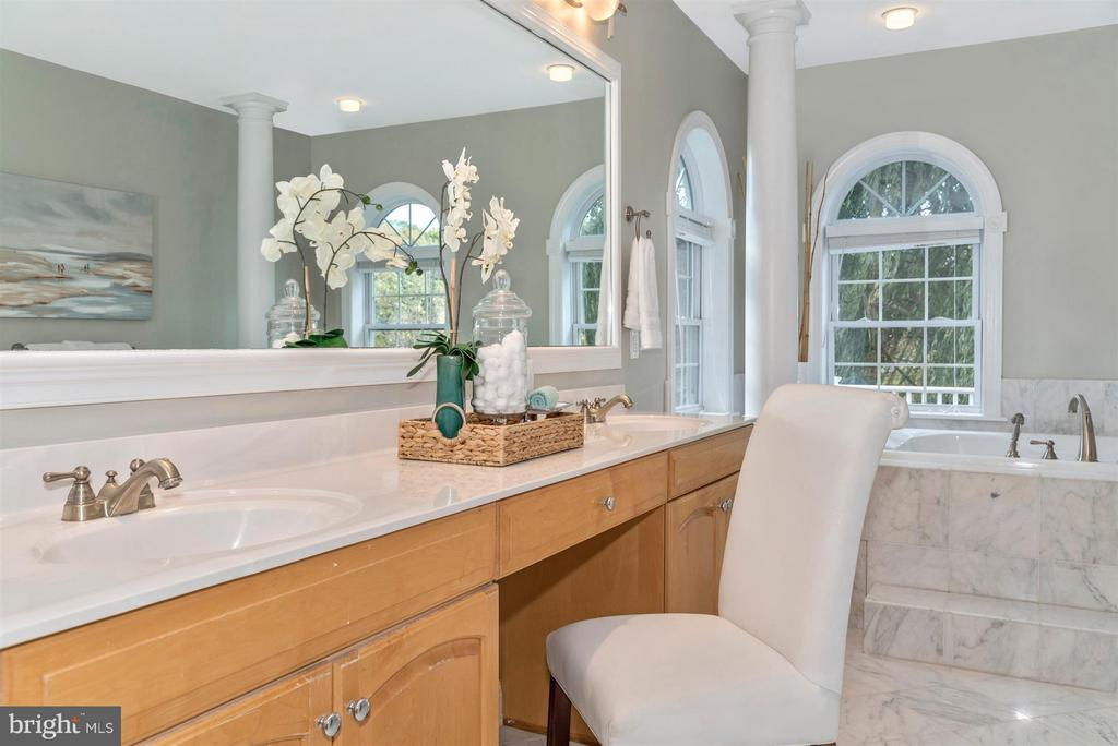 Bath (Master) - 6520 NIGHTINGALE CT, NEW MARKET