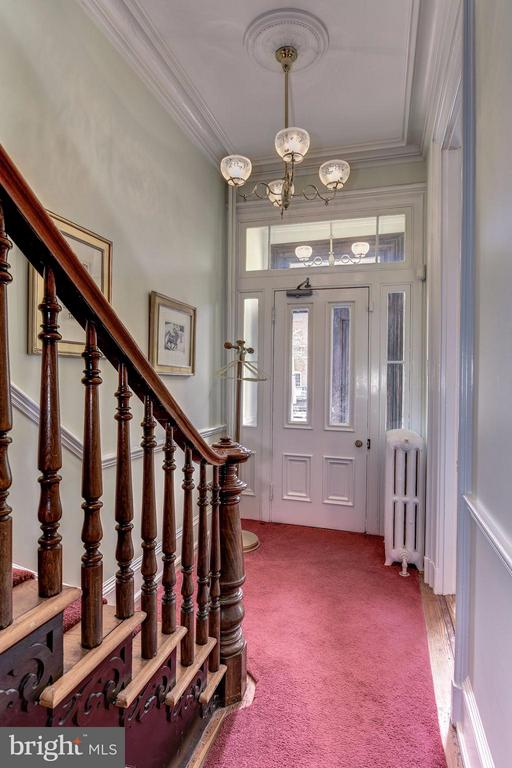 Front Foyer and beautiful decorative Staircase - 413 N WASHINGTON ST, ALEXANDRIA