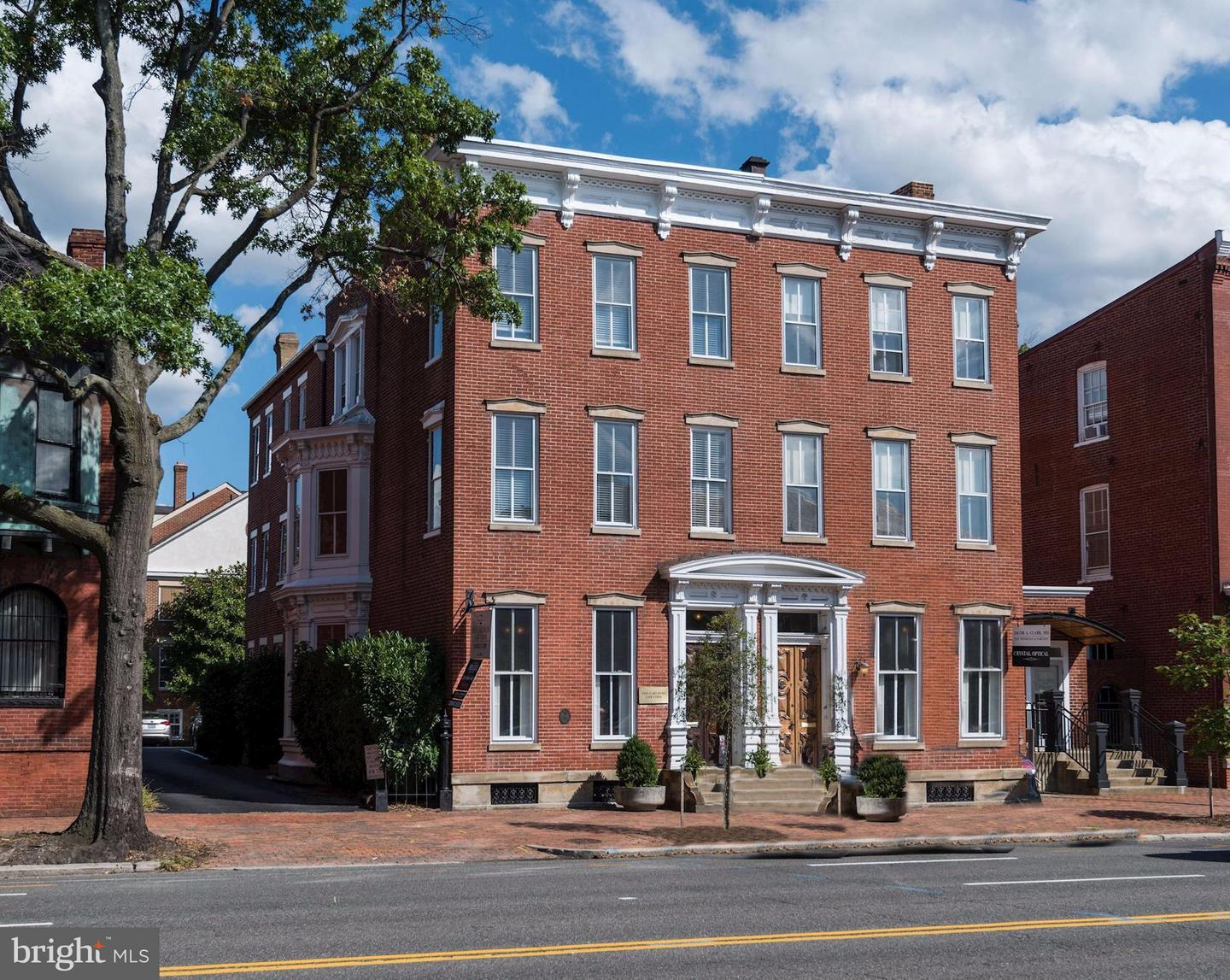 Photo of home for sale at 413 Washington Street N, Alexandria VA