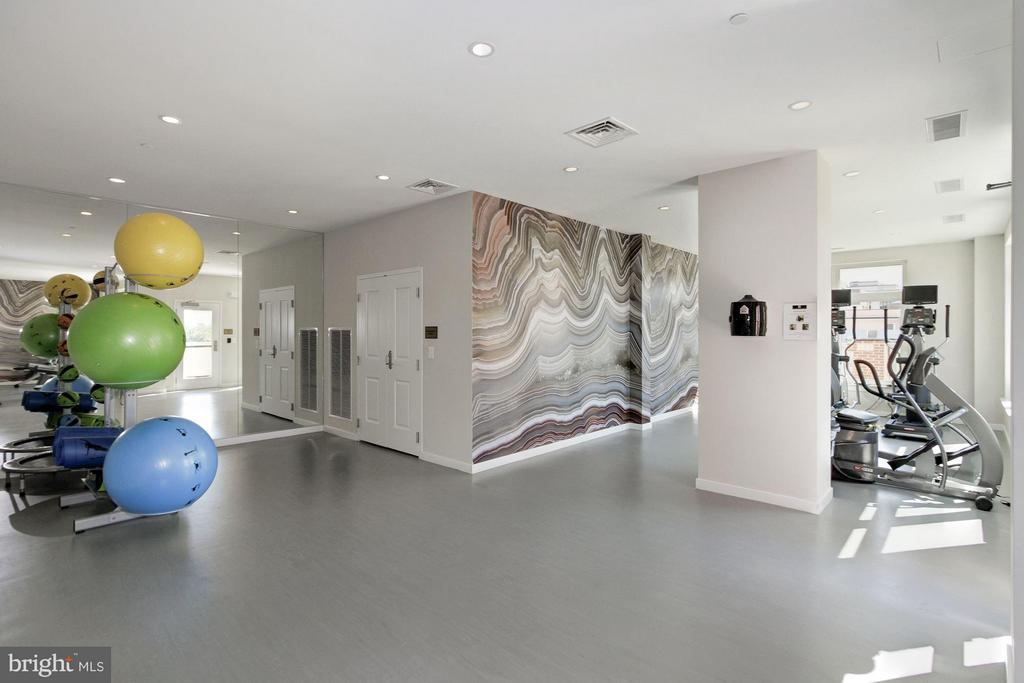 Building Amenities-Fitness Center - 4915 HAMPDEN LN #604, BETHESDA