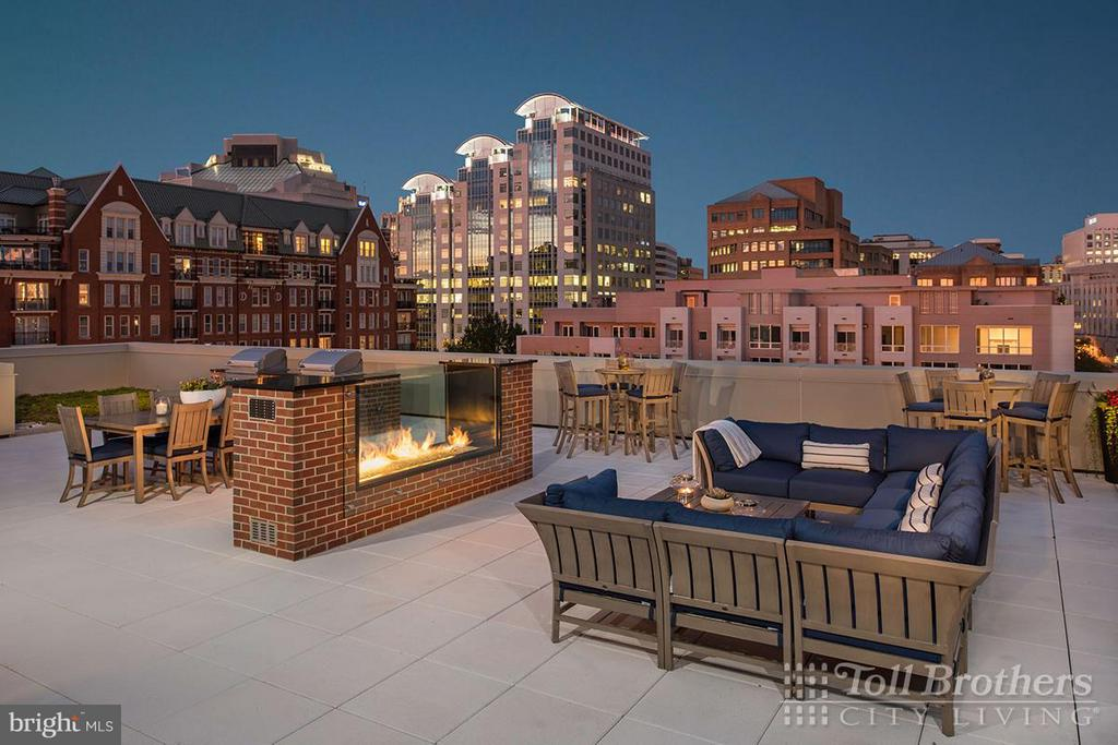 Building Rooftop Terrace and Lounge - 4915 HAMPDEN LN #604, BETHESDA