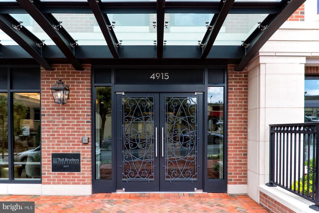 Front Entrance - 4915 HAMPDEN LN #301, BETHESDA