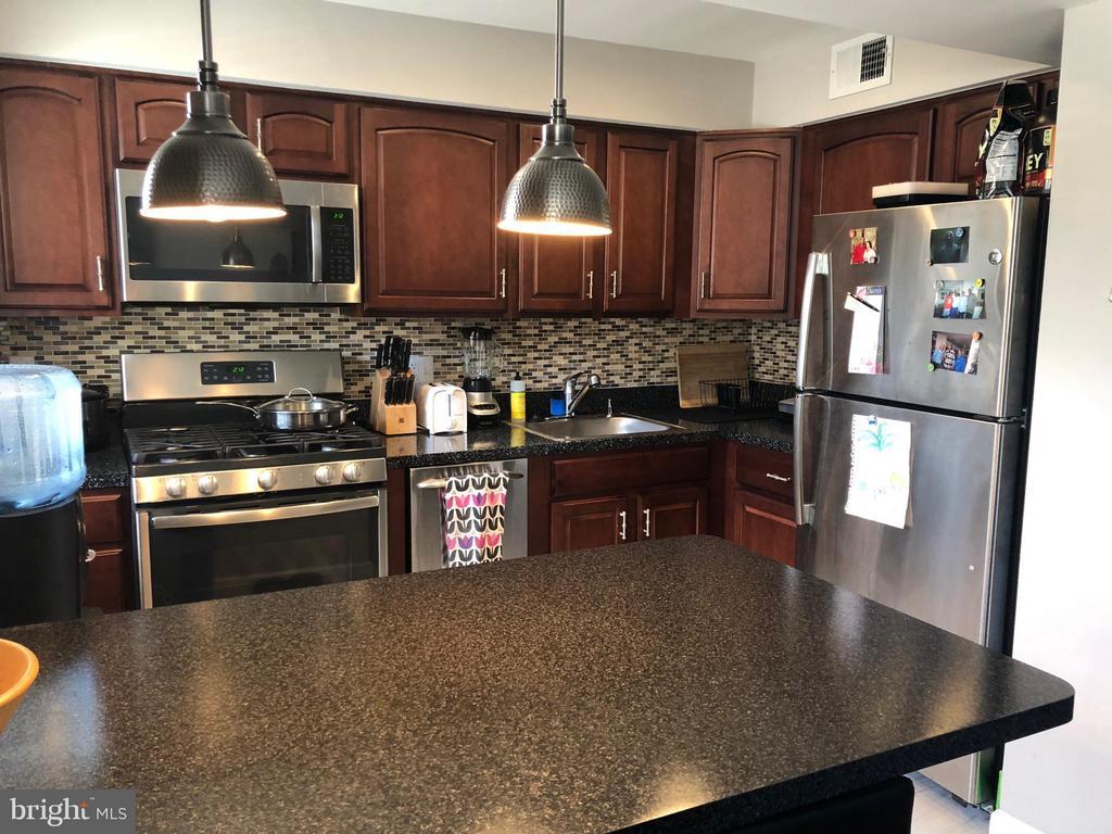 Kitchen Sink, Refrigerator - 2647 MARTIN LUTHER KING JR AVE SE #101, WASHINGTON