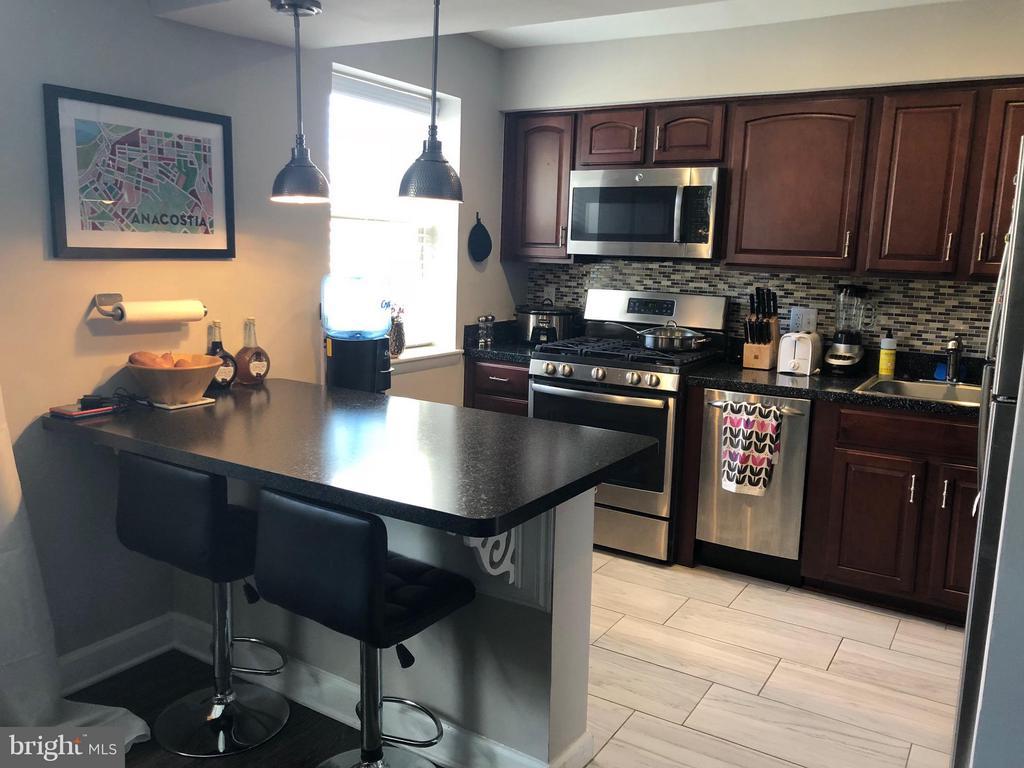 Kitchen Counter, Stove,Dishwasher - 2647 MARTIN LUTHER KING JR AVE SE #101, WASHINGTON