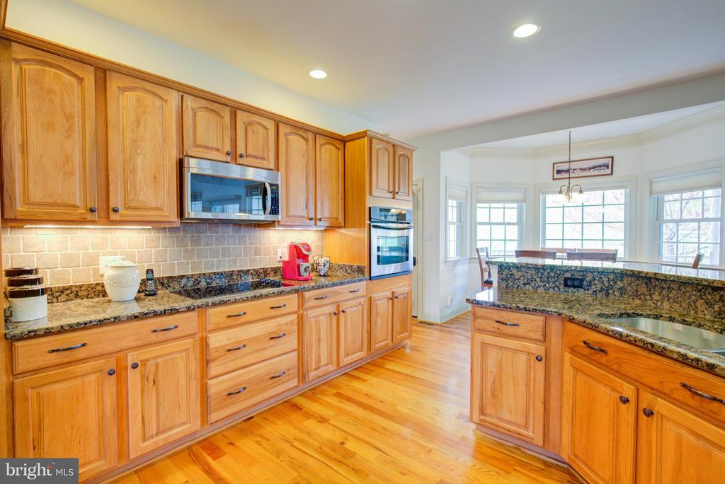 Stainless appliances - 121 GRANVILLE CT, WINCHESTER