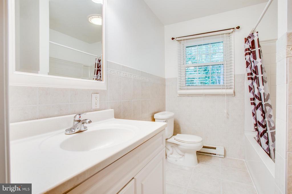 Bath - 7225 COURTHOUSE RD, SPOTSYLVANIA