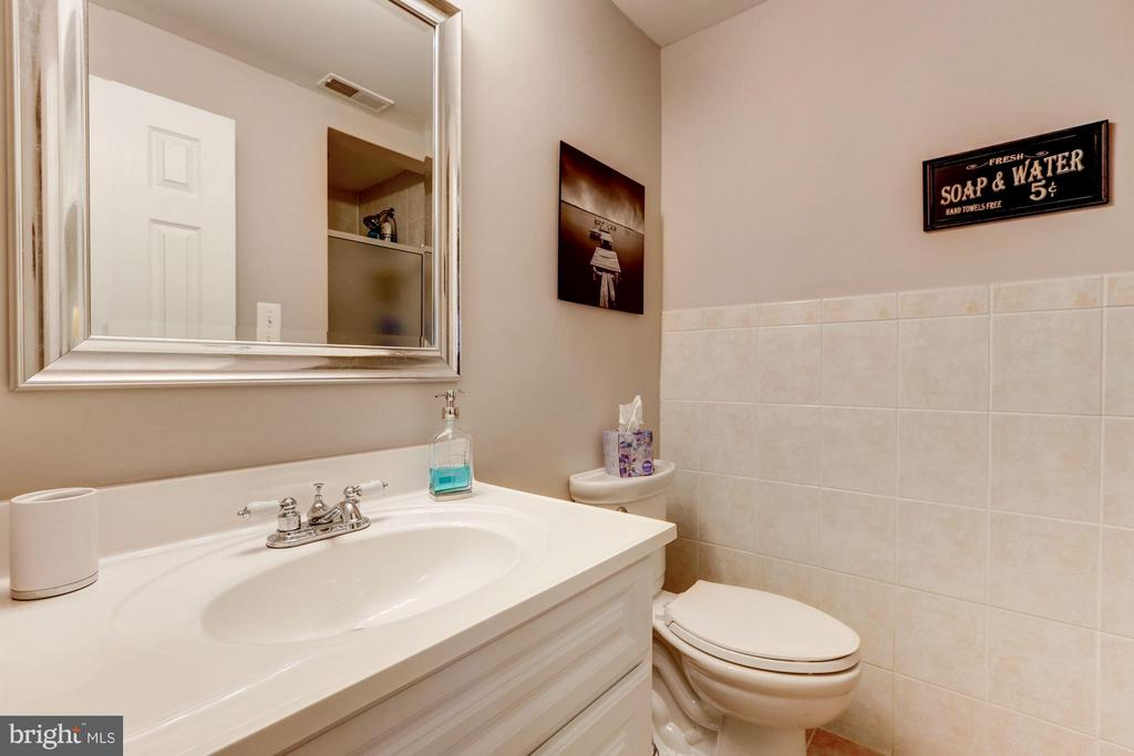 Bathroom #3 - 2206 WINTER GARDEN WAY, OLNEY
