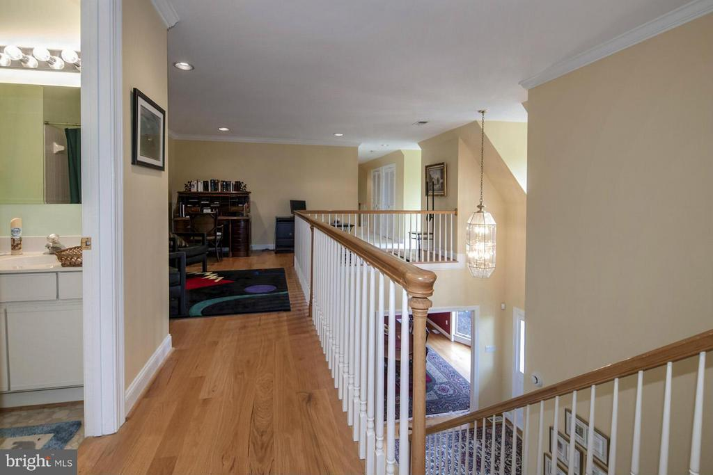 Second Floor Hall - 2933 ROKEBY RD, DELAPLANE