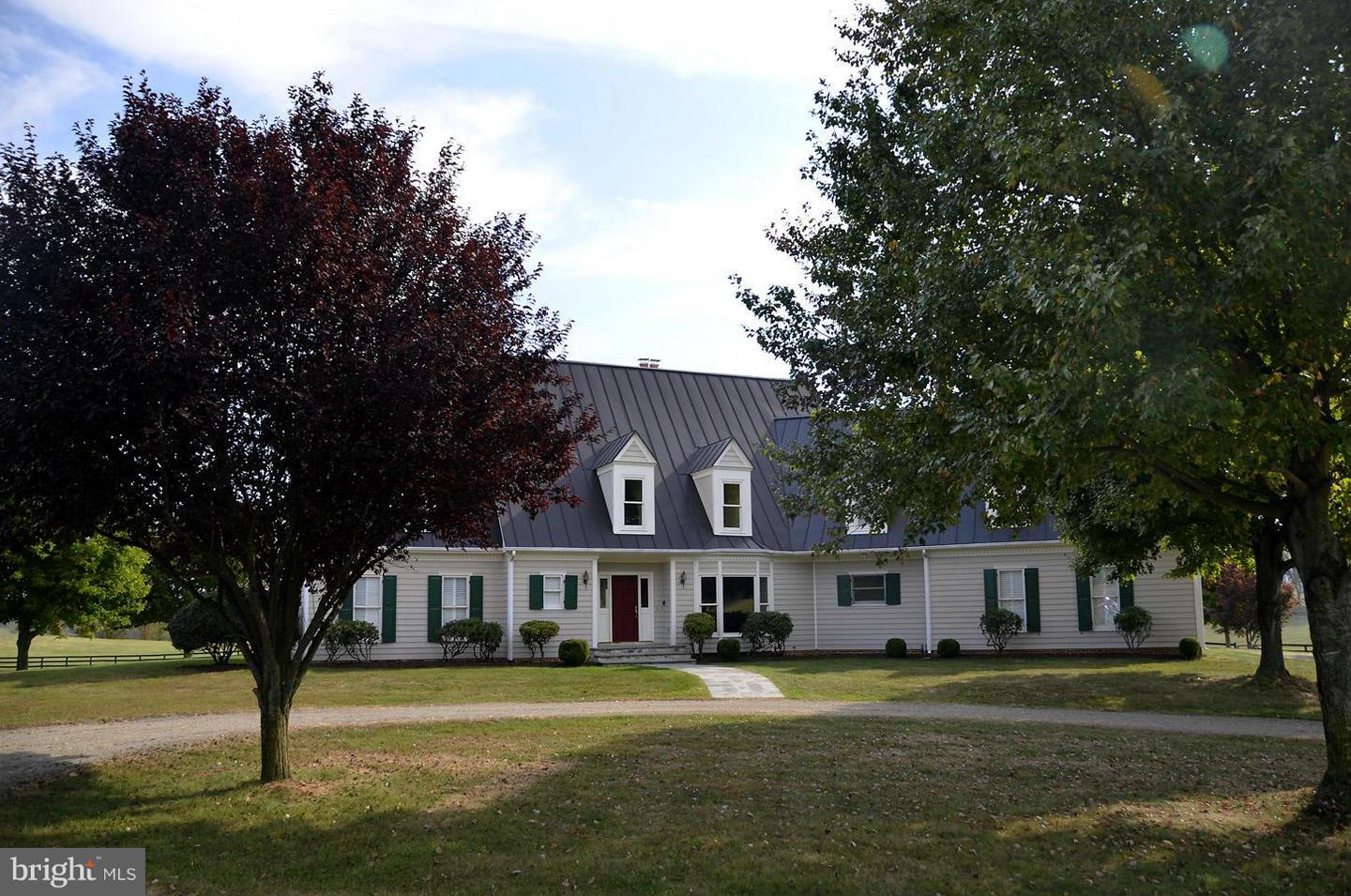 Single Family for Sale at 2933 Rokeby Rd Delaplane, Virginia 20144 United States