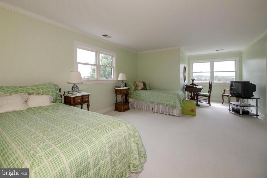Second Floor Bedroom #1 - 2933 ROKEBY RD, DELAPLANE