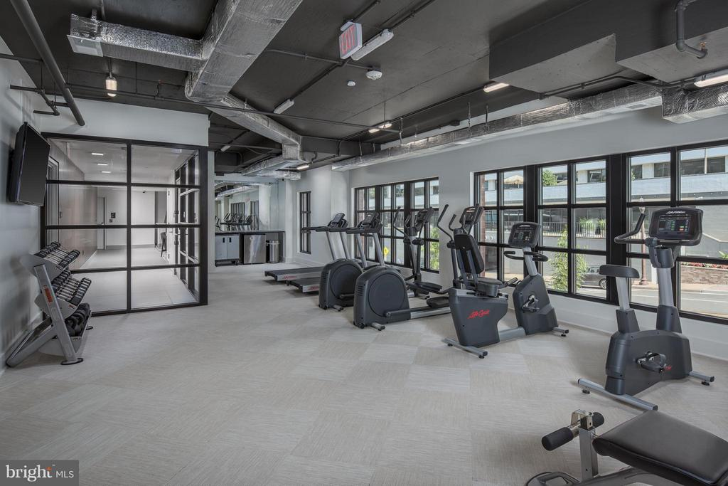 Fitness Center - 1411 KEY BLVD #2, ARLINGTON