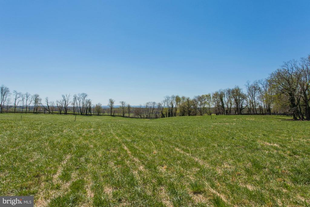 2 lots total. 25 acres completely fenced. - 35676 SNICKERSVILLE TPKE, PURCELLVILLE