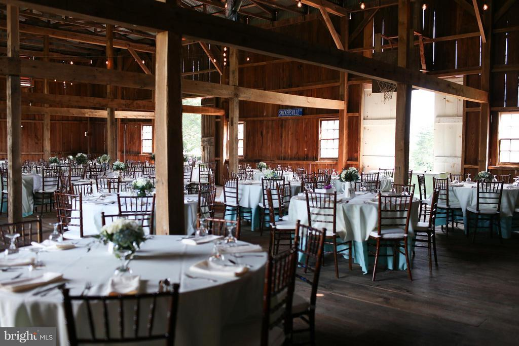 Perfect venue. Seating for 175 to 200 - 35676 SNICKERSVILLE TPKE, PURCELLVILLE
