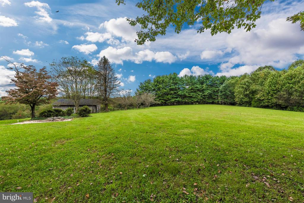 GORGEOUS VIEW - VERY SERENE SETTING - 7433 OLD WASHINGTON RD, WOODBINE