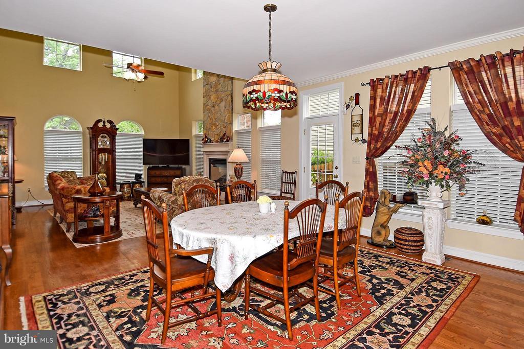 Family Room/Breakfast Nook - 4001 VIRGINIA ST, FAIRFAX